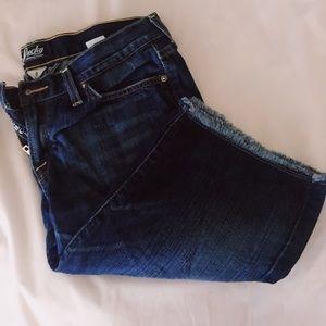 Lucky brand jeans denim capris size 8 ☘️